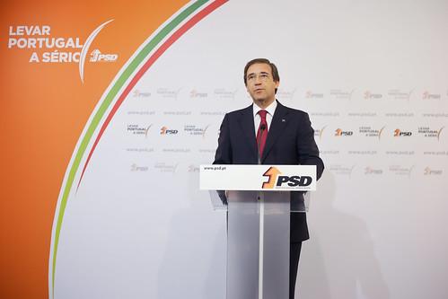 Pedro Passos Coelho em conferência de imprensa