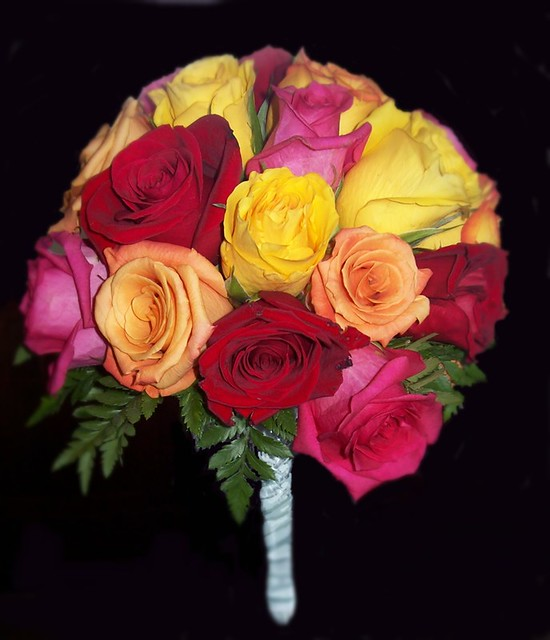 Multi color rose bouquet flickr photo sharing for Dual color roses