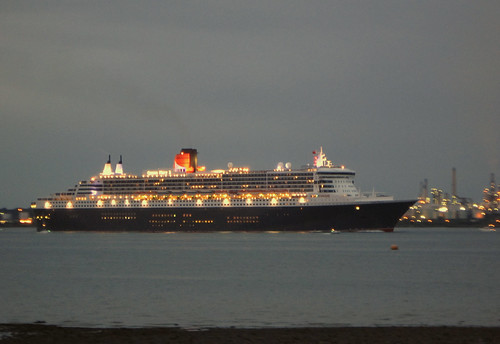 Queen Mary 2 Arriving at 4.32am