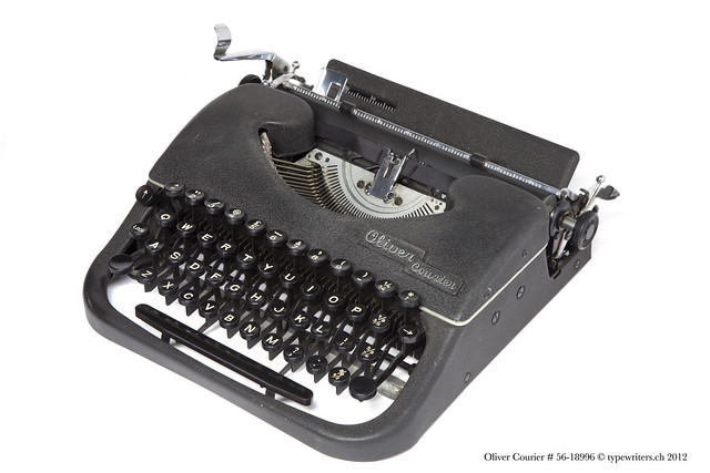 Oliver Courier portable typewriter