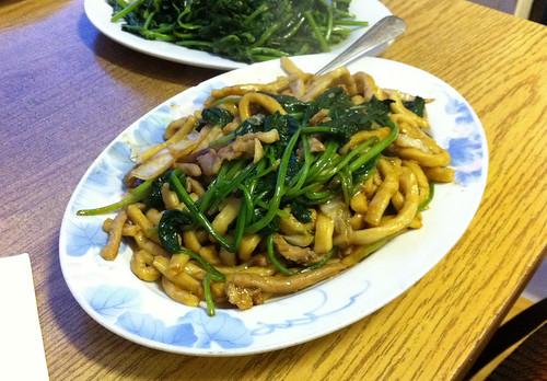 Shanghai fried noodles
