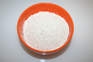 01 - Zutat Dinkelvollkornmehl / Ingredient spelt whole wheat flour