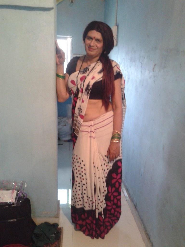 Hot Indian Desi girl  XVIDEOSCOM  Free Porn Videos