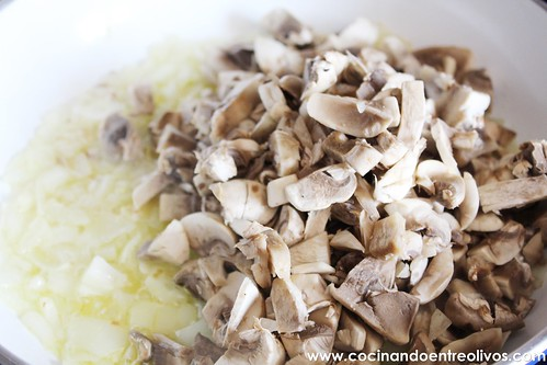 Berenjenas rellenas de carne picada y champiñones (6)