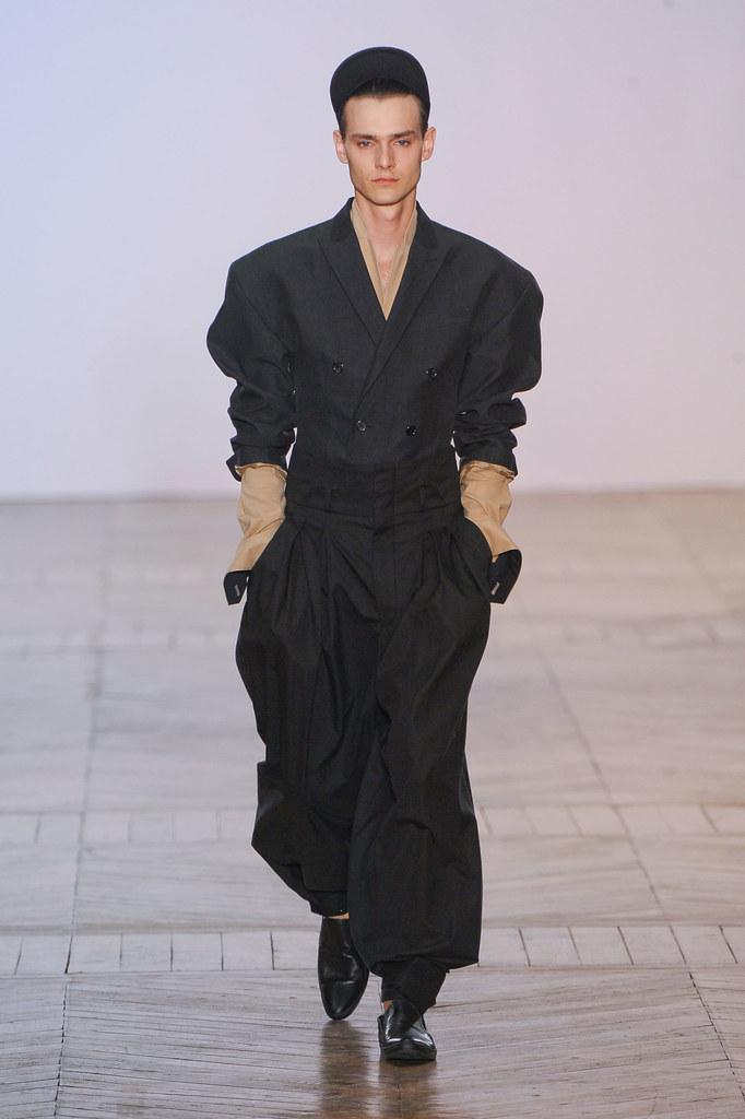 SS13 Paris Juun J.012_Douglas Neitzke(fashionising.com)