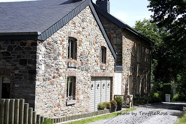 樹林中的小溪屋。La Riviere au Bois-Lavacherie-120622