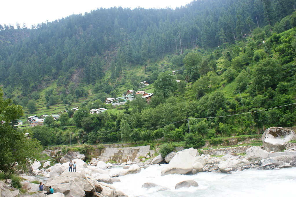"""MJC Summer 2012 Excursion to Neelum Valley with the great """"LIBRA"""" and Co - 7584180504 5076bc804d b"""