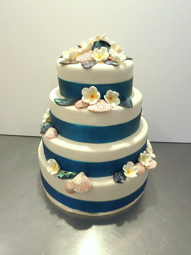 Tropical Wedding Cake by CAKE Amsterdam - Cakes by ZOBOT