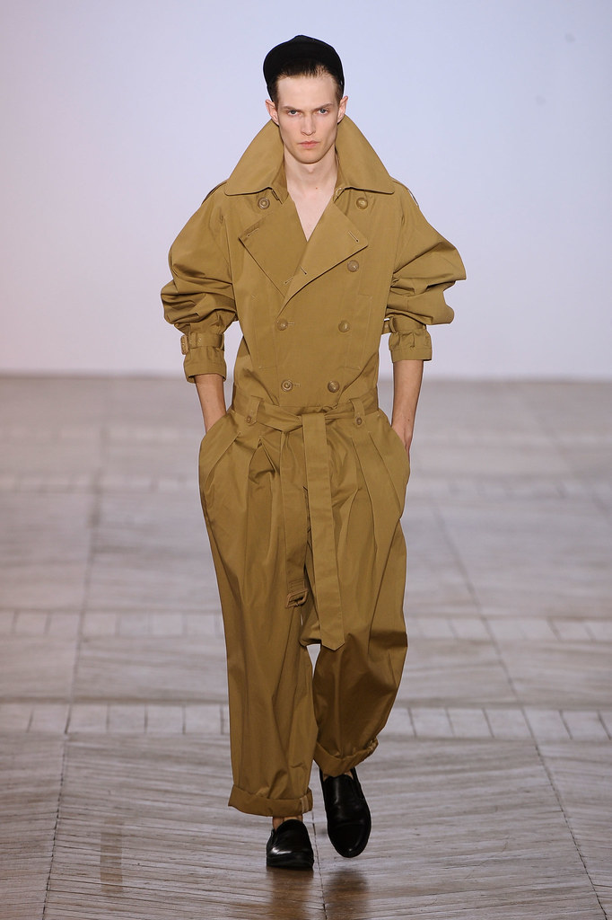 Adrian Bosch3283_SS13 Paris Juun J.(fashionising.com)