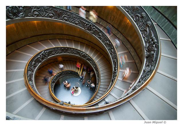 Escalera helicoidal de los Museos Vaticanos