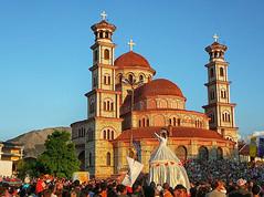 Komerční prezentace:Země paradoxů? V Albánii uvidíte chudobu, luxusní hotely i nádhernou přírodu.