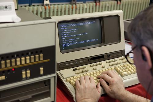 HP 2647A terminal and 100 E-Series