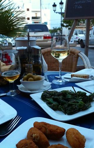Sant Jordi de ses Salines, Ibiza | Bar Restaurante Las Olas | Tapas