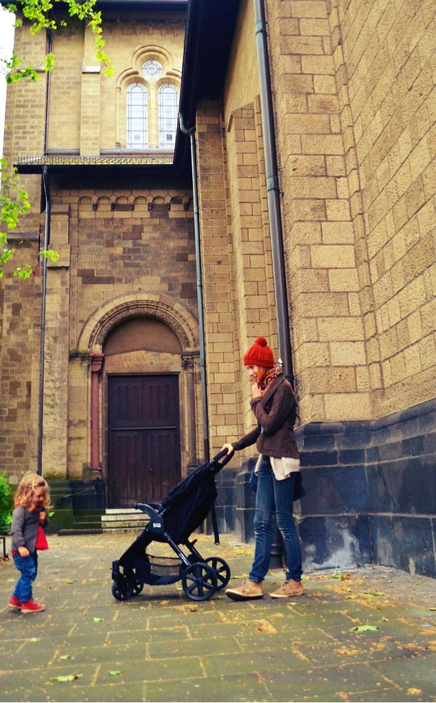 Frau mit Buggy (http://www.pusteblumenbaby.de/)
