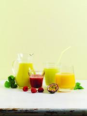tea(0.0), produce(0.0), fruit(1.0), food(1.0), lemonade(1.0), drink(1.0), cocktail(1.0), juice(1.0),