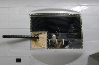 12,7-mm-MG in einem der beiden Seitenfenster