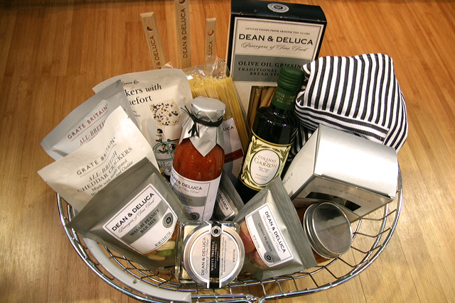 Dean & DeLuca can also do customised presents and corporate gifts