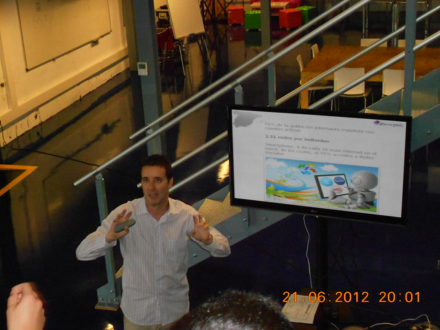 Jordi Lidón en la presentación del AERCOLibro