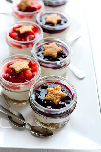 Berry Cheesecake Parfaits {No Bake}