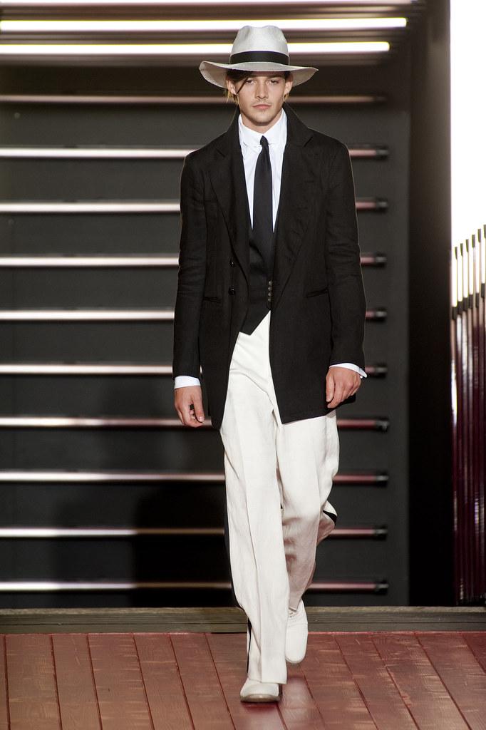 Rob Moore3375_SS13 Milan John Varvatos(fashionising.com)
