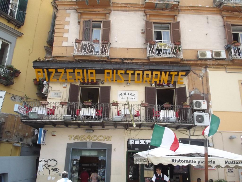 Via Roma (Via Toledo), Naples - Piazza Carita - Pizzeria Ristorante