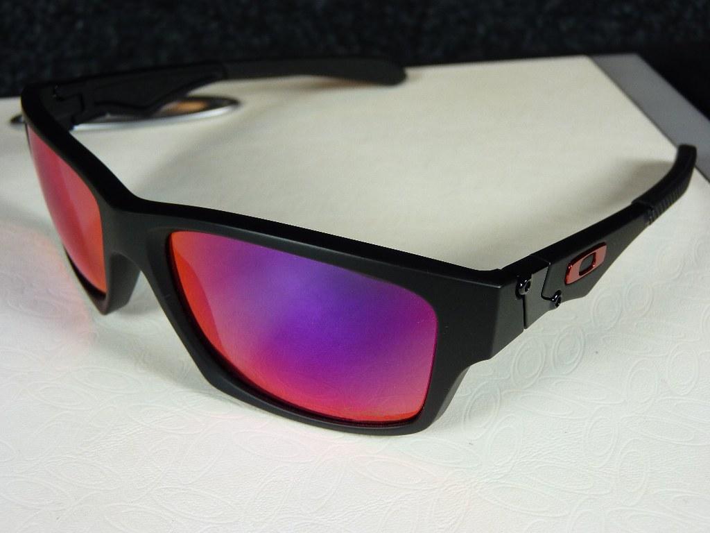 Oakley Jupiter Squared Red