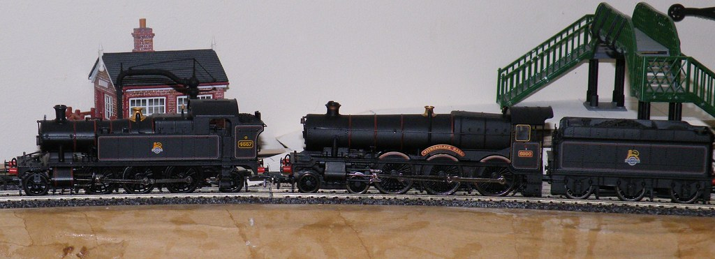 Bachmann Old Hall - not so Old Hat? - RMweb