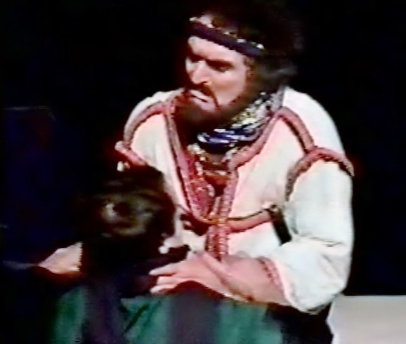 Macbeth kills Seward classic theatre international Alexander Barnett Macbeth tour