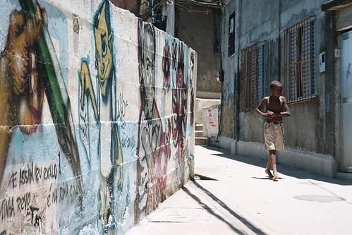 Morro do Cantagalo , Rio de Janeiro, Brazil. 2006