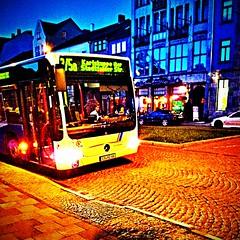 A bus has #justnow stopped at Karlsplatz #Eisenach.