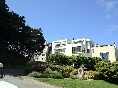 An example of a Telegraph Hill residence, near the Coit Tower