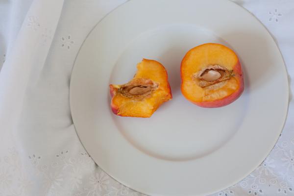 each-peach-5