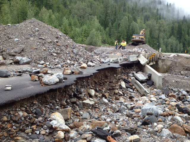 Cleaning Mudslide West of Revelstoke | Crews are cleaning a ...