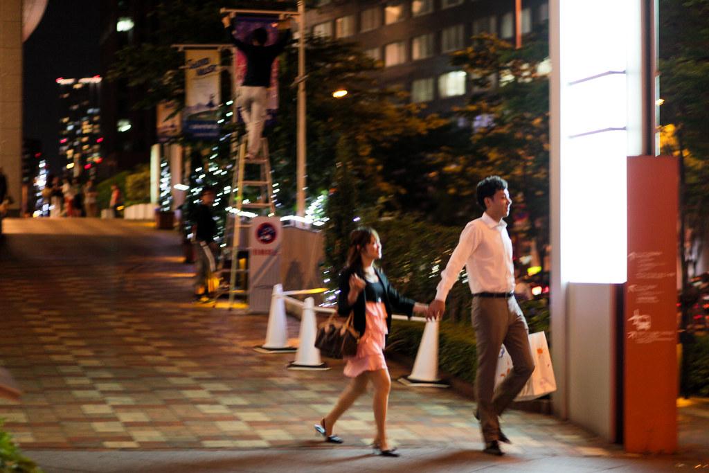 Umeda 3 Chome, Osaka-shi, Kita-ku, Osaka Prefecture, Japan, 0.033 sec (1/30), f/1.8, 85 mm, EF85mm f/1.8 USM
