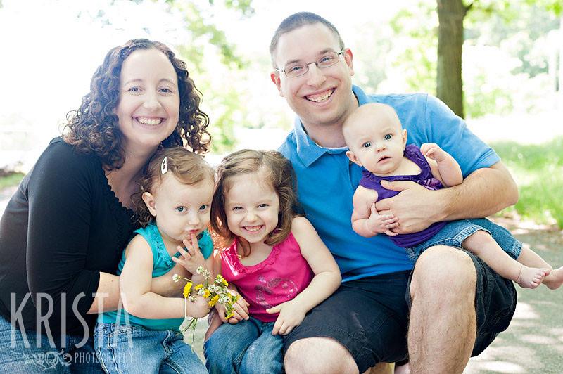 Spring family portrait session at Horn Pond