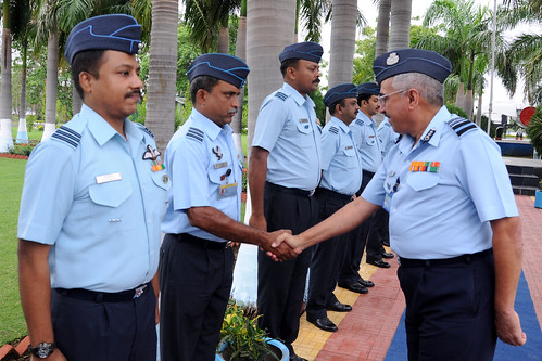 Air Mshl Jagdish Chandra meeting Commanders on Inaugural day of Commanders' Conference at Nagpur on 09 Jul 2012 by Chindits