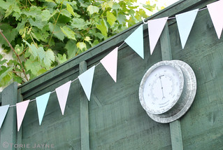 Pretty outdoor bunting
