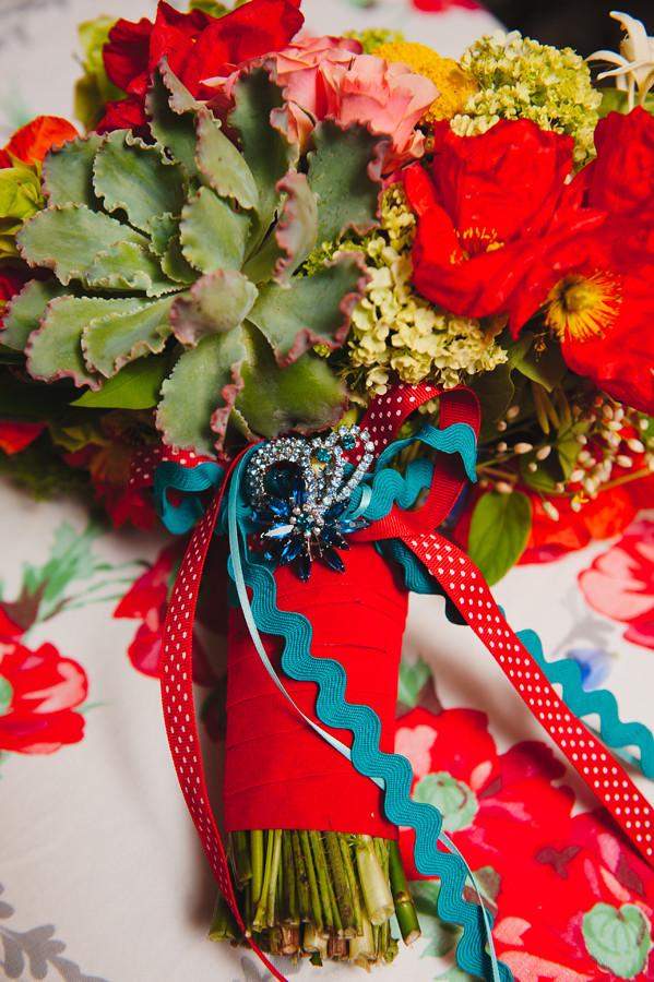retro wedding florals