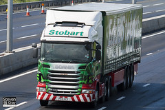 Scania R440 6x2 Tractor - PF10 FCY - Lisa Sarah - Green & Red - 2010 - Eddie Stobart - M1 J10 Luton - Steven Gray - IMG_1505