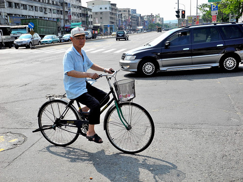 Commuting Cyclist in Kaohsiung