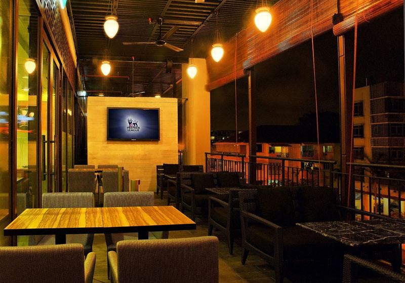 CharlyT Katong - Porch