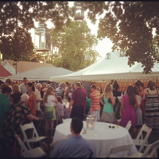 This is a Minneapolis backyard reception. #pinchme