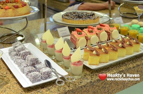 Market Cafe Hyatt Desserts
