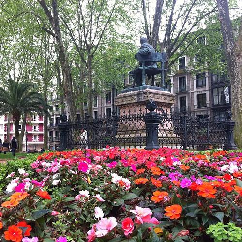 Jardines de Trueba, ¿Cuando una calle en Bilbao? by LaVisitaComunicacion