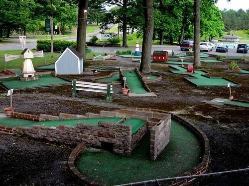 Miniature Golf - Weona Park Pen Argyl PA