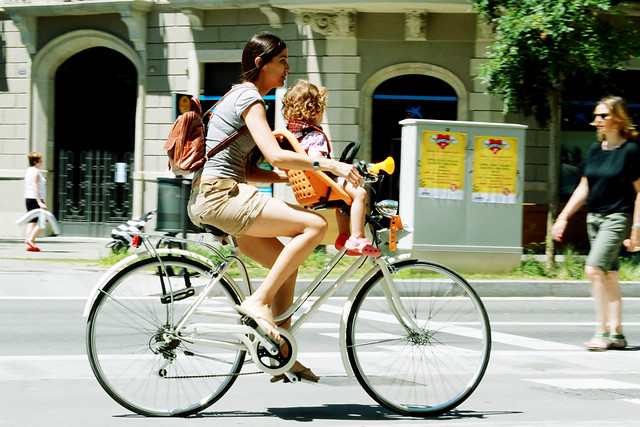 moms cycling