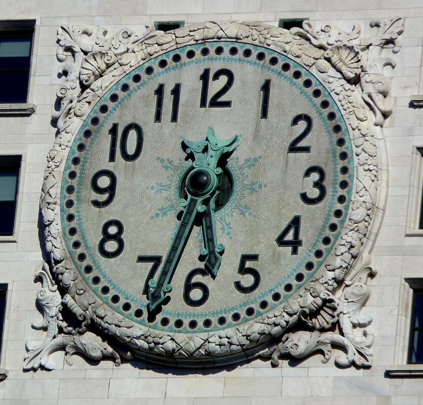 Met Life Clock