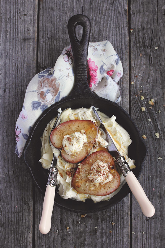 Pears with Mascarpone Cream