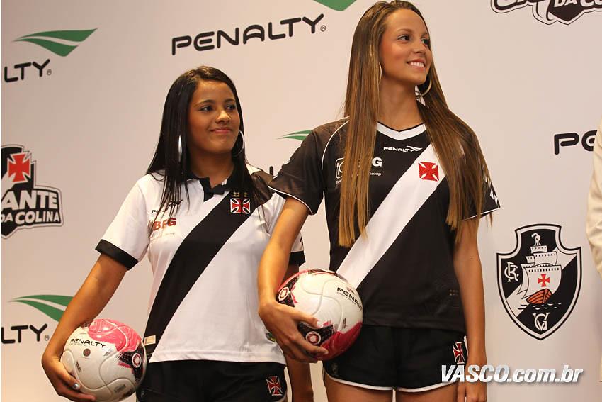 Vasco lança novos uniformes para temporada 2012 - Show de Camisas 027f37a826d3d