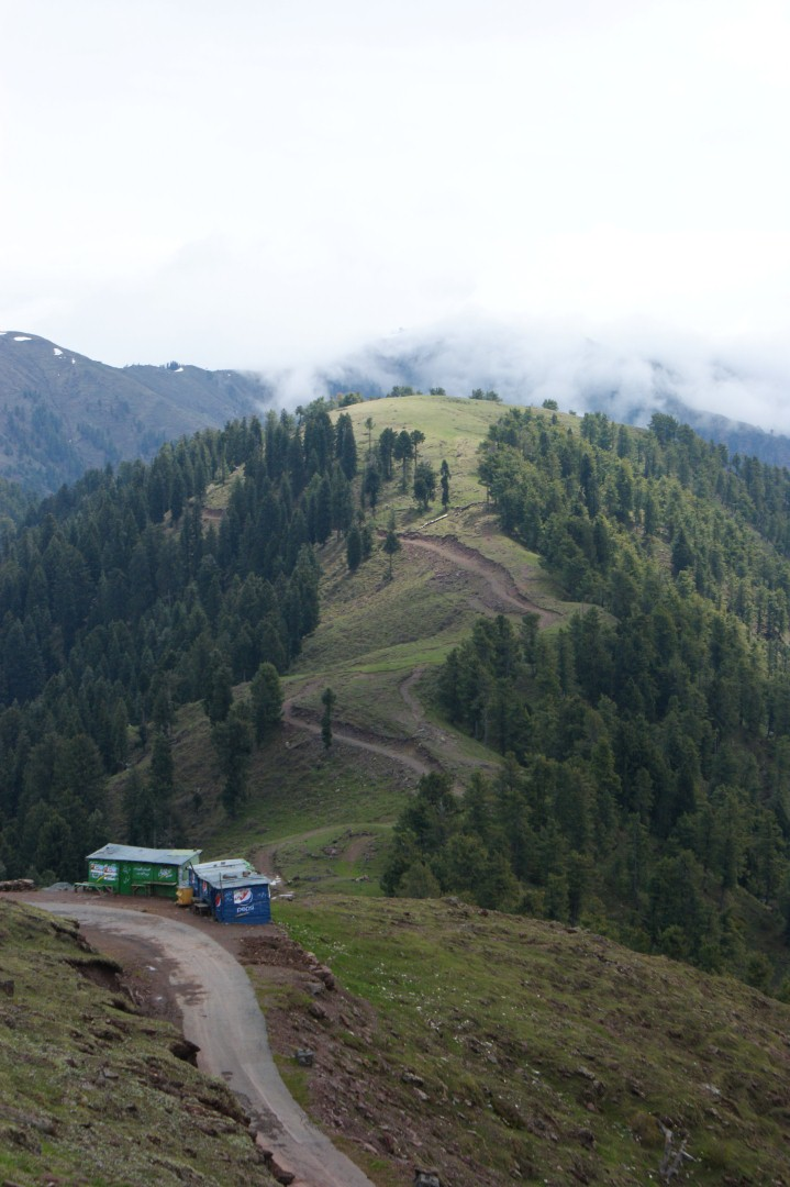 Trip to Muzaffarabad & Pir Channasi April-May 2012-nomi700 - 7537132502 8bba450efd o